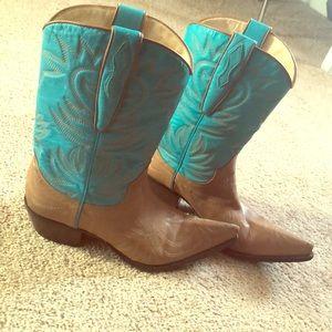 Guess cowboy boot